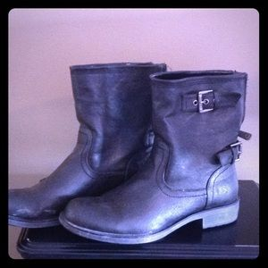 Guess Stud Boots 9M